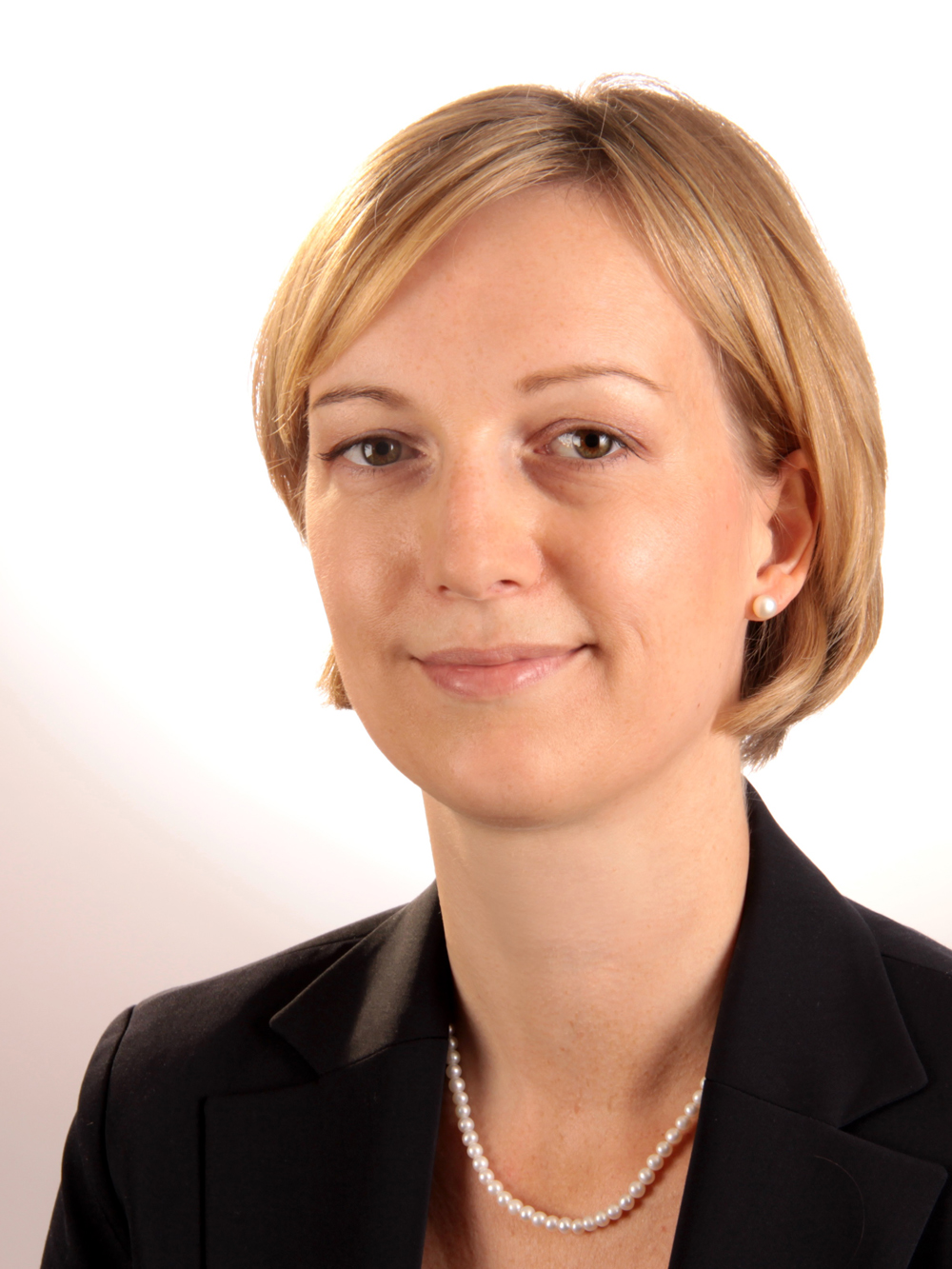 Dr. Jessica Peter